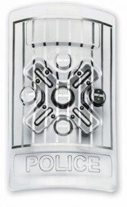 מגן משטרה עם שוקר חשמלי